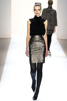 See the complete Monique Lhuillier Fall 2007 Ready-to-Wear collection.