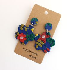 Excited to share the latest addition to my shop: Statement Floral Dangles Polymer clay earrings Statement earrings Flower print dangles Statement dangle earrings Fimo Clay, Polymer Clay Crafts, Polymer Clay Creations, Polymer Clay Jewelry, Biscuit, Diy Clay Earrings, Frida Art, Silver Gifts, Handmade Jewelry Designs