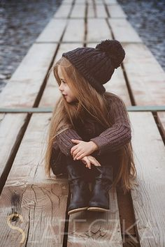 #fall outfit. Beautiful little girl, very sweet little outfit