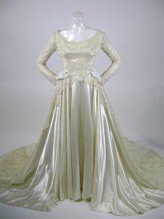 50s Wedding Dress / Silk Lace Top Satin skirt and Train / Mindelle Julius Garfinkel  / XS Small B34 W26 / As Is