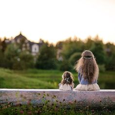 Давно хотела поделиться этими воспоминаниями)). Шила куклу для @ksnega ,точнее для ее дочи и наряд на девочку. Вот что получилось) #trendydolls #fashoinismyprofession #одинводин #instadaily #instagood