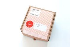ZEICHEN & WUNDER / Caffè-Tassen Kollektion / #Traue #deinen #Sinnen #Packaging #Design #Gestaltung / by Zeichen & Wunder, München Corporate Design, Magazine Rack, Packaging, Branding, Colors, Home Decor, Projects, Wrapping, Interior Design