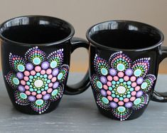 Pair of Hand Painted Dot Mandala Coffee Mugs Stone Art Painting, Dot Art Painting, Mandala Painting, Painting Patterns, Pottery Painting Designs, Glass Painting Designs, Mandala Painted Rocks, Painted Flower Pots, Painted Coffee Mugs