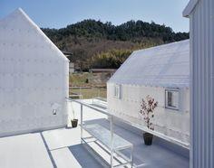 House in Yamasaki / Tato Architects