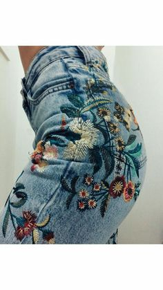 We love denim, but we love a cute embroidered jeans outfit more than anything. It's a unique way of wearing a common item. The great thing about embroidered jeans is . Outfit Jeans, Mode Outfits, Jean Outfits, Ladies Outfits, Diy Outfits, Mode Style, Style Me, Estilo Hippie, Cute Summer Outfits