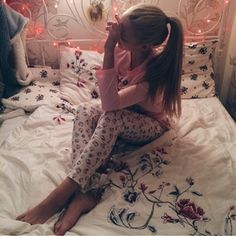 #girl #happy #kitty #hellokitty #bed #fashion #lights