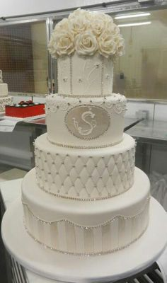 White and Gold Wedding Cake.
