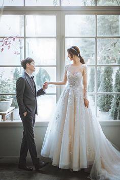 Couple Pictures, Wedding Pictures, Korean Wedding Photography, Korean Couple, Ulzzang Couple, Pre Wedding Photoshoot, White Wedding Dresses, Weeding, Nayeon
