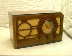 Old Antique Wood Silvertone Vintage Tube Radio - Restored & Working Table Top. eBay auction ends tonight at 10:30 eastern!
