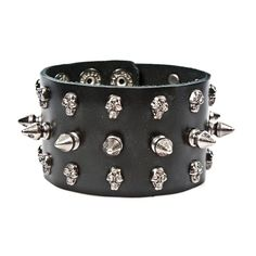 Leather bracelet with skulls, studs and spikes - Metal Gothic www.attitudeholland.nl