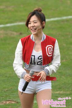 SNSD Sunny Busan football