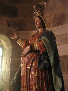 Pregnant Virgin statue by carlos-u, via Flickr