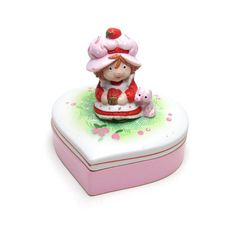 Strawberry Shortcake Trinket Box Vintage Figurine Porcelain Heart Shaped Jewelry…