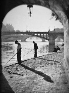 greeneyes55:  Paris 1937 Photo: H. Glöckl