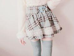 moda kawaii discovered by ✨ Choppi ✨ on We Heart It Harajuku Fashion, Kawaii Fashion, Lolita Fashion, Cute Fashion, Fashion Outfits, Fashion Styles, Japanese Fashion, Asian Fashion, Pretty Outfits