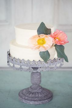 Gorgeous cake // by Peaches & Mint