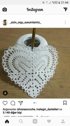 This post was discovered by Ün Crochet Doily Patterns, Crochet Squares, Thread Crochet, Filet Crochet, Crochet Motif, Irish Crochet, Crochet Doilies, Crochet Flowers, Crochet Lace