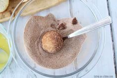 If you love old fashioned sugary donuts but hate all the work, you will love Cinnamon Sugar Mini Donut Muffins. Learn how to make easy Mini Donut Muffins. Donut Muffins, Mini Muffins, Doughnut, Cinnamon Sugar Donuts, Cinnamon Recipes, Beignets, Mini Donut Recipes, Blueberry Oat Muffins, Muffin Recipes