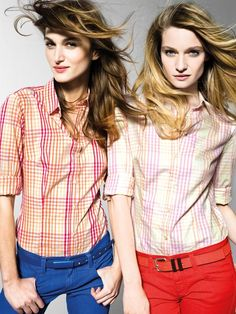 """""""In this image: Shirt (5AT15Q204); Jeans (4Y1WD7243); Belt (6G8ZD657F); Belt (6GJPU657T). Spring/Summer 2013 United Colors of Benetton Woman collection."""""""