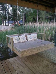 Eine Bank im Garten ist natürlich angenehm zum Si... - #angenehm #bank #Eine #Garten #im #ist #natürlich #si #zum