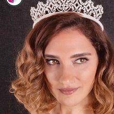 Minik taşlı prenses tacımız yeni sezonun gözdesi olma yolunda❣️ #gelintaci #gelinlik #gelin #dugun