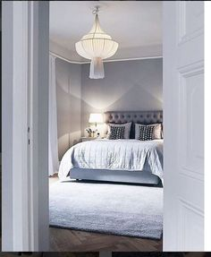 New Trend and Modern Bedroom Design Ideas for 2020 Part 35 ; Cosy Bedroom, Bedroom Inspo, Dream Bedroom, Bedroom Decor, Bedroom Furniture, Furniture Sets, Modern Bedroom Design, Home Interior Design, Master Bedroom Makeover