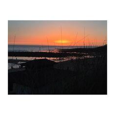 Así nos recibió ayer #zahora  #cadiz #cadizfornia #andalucia #andaluciaviva #playa #beach #beachlife #ig #igers #igerscadiz #igersandalucia #sunset #atardecer #photography #photooftheday #picoftheday #nofilter #iphone6
