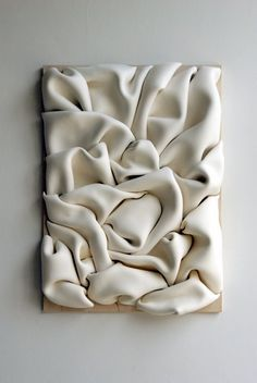 sculpture murale, magnifique… wall sculpture, Jeannine-Marchand I like this because of the texture and its shadows.Sculpture mural: Ceramic wall sculpture, textile-inspired, by Jeannine Marchand.Risultati immagini per wall sculptureThe sculptures o Ceramic Wall Art, Ceramic Pottery, Cerámica Ideas, Instalation Art, Paperclay, Wall Sculptures, Sculpture Painting, Textile Sculpture, Sculpture Ideas