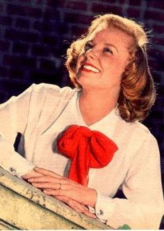 June Allyson June Allyson, My Generation, Hollywood Icons, Classic Actresses, Old Movies, Bombshells, Movie Stars, October 7, Celebs