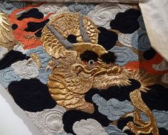 Many exhibits feature 3D embroidery. This is a modern imitation
