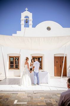 Gorgeous Couple Catherine And Barrys Wedding Day At Louis Phaethon Beach Club Hotel In Paphos Photographs Taken By Award Winning Photograp