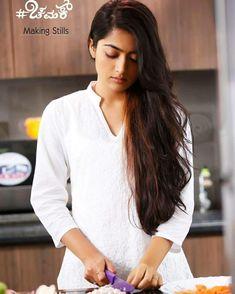 Rashmika Mandana Cute Girl Face, Cute Girl Photo, Beautiful Girl Photo, Beautiful Girl Indian, Beautiful Indian Actress, Beautiful Actresses, Beautiful Models, Saree Photoshoot, Indian Bridal Fashion