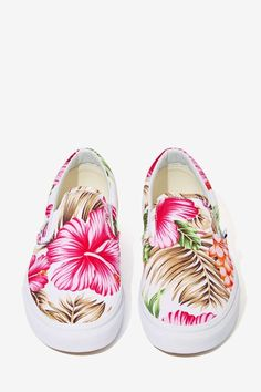 Vans Classic Slip-On Sneaker - Hawaiian Floral - Shoes Sneakers Shoes, Slip On Sneakers, Vans Shoes, Shoes Heels, Pretty Shoes, Cute Shoes, Me Too Shoes, Floral Vans, Floral Shoes