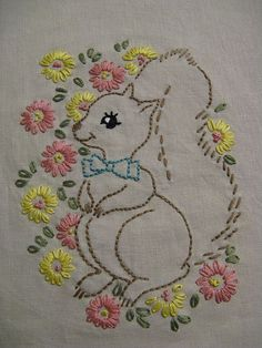 Hand Embroidery Videos, Applique Embroidery Designs, Hand Embroidery Patterns, Vintage Embroidery, Cross Stitch Embroidery, Abstract Embroidery, Couture, Crochet, Squirrels