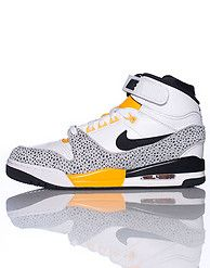 free shipping b7f28 c9667 NIKE AIR REVOLUTION SNEAKER Nike Logo, Velcro Straps, Leather Material,  Classic Sneakers,