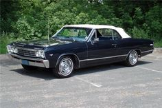 I seriously enjoy this colour for this car Chevrolet Malibu, Chevrolet Chevelle, Chevy Classic, Classic Cars, 1967 Chevelle, Best Muscle Cars, Sweet Cars, Us Cars, Dream Cars
