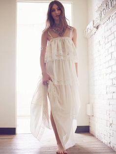 modèles Marine DeLeeuw un style de mariée bohème avec Gwen Jones x Free People Kari Set