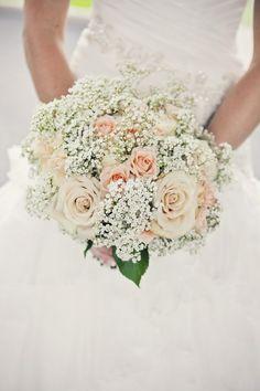 Baby breath and roses wedding bouquet / http://www.himisspuff.com/rustic-babys-breath-wedding-ideas/12/