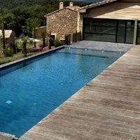 Entre Avignon et Uzès, mas de luxe à louer tennis, piscine, spa...