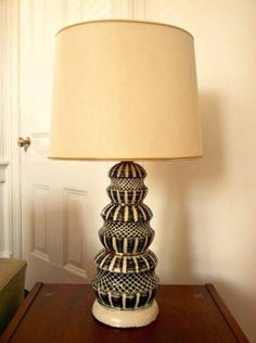 Richmond: Vintage Mid Century Modern Black and White Ceramic Lamp - http://furnishlyst.com/listings/91432