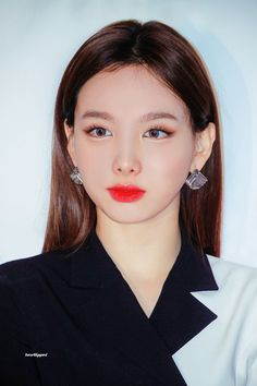 Find images and videos about kpop, idol and twice on We Heart It - the app to get lost in what you love. Kpop Girl Groups, Korean Girl Groups, Kpop Girls, K Pop, Snsd Yuri, Twice Tzuyu, Peinados Pin Up, Nayeon Twice, Twice Kpop