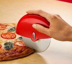 Palm pizza cutter
