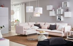 Table de rangement Kvistbro, coloris blanc, H 61 cm, 49 euros, Ikea.
