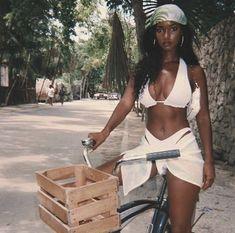 Beautiful Black Girl, Pretty Black, Beautiful Heels, Black Girl Magic, Black Girls, Black Women Style, Black Girl Beach, Pretty People, Beautiful People