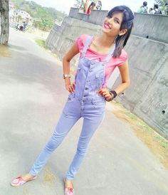 Cute Poses For Pictures, Girl Pictures, Cute Girl Pic, Cute Girls, School Girl Pics, Drawing Couple Poses, Indian Designer Suits, Stylish Dpz, Cool Outfits