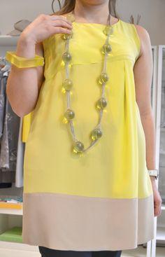 Atelier Altrecose di Lu Yellow Tunic - Chi ha detto che per le bionde il giallo, e il giallo canarino in particolare, è vietatissimo? via @Des petits pois gris