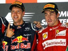 Sebastian Vettel (l) will WM-Spitzenreiter Fernando Alonso noch abfangen. (Foto: Jens Büttner/dpa)