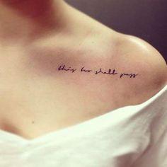 """""""This too shall pass"""", ou """"isso também há de passar"""". A caligrafia é o charme! - Reprodução"""