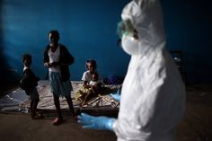 With Aid Doctors Gone, Ebola Fight Grows Harder - NYTimes.com