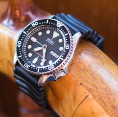 Seiko Unboxing - Close shot of displayed on wooden ships wheel Seiko Diver, Wooden Ship, Seiko Watches, Black Boys, Watches For Men, Ships, Edc, Classic, Tag Watches